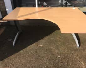 1600mm x 1200 Beech Ergonomic Desks – Left and Right hand available – £69 (COLLECTED ONLY PRICE)