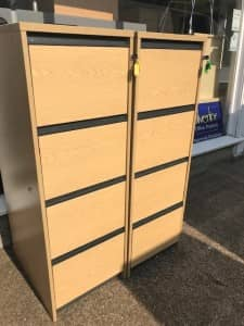 USED 4 DRAWER OAK WITH BLACK HANDLES – VG CONDITION – WITH KEYS – 2 AVAILABLE