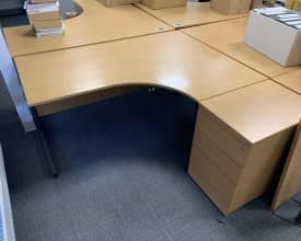 USED 1600 Ergonomic Desks with matching Pedestal in Light Oak – Left and Right Hand available -Quantity available – £125 + VAT EACH